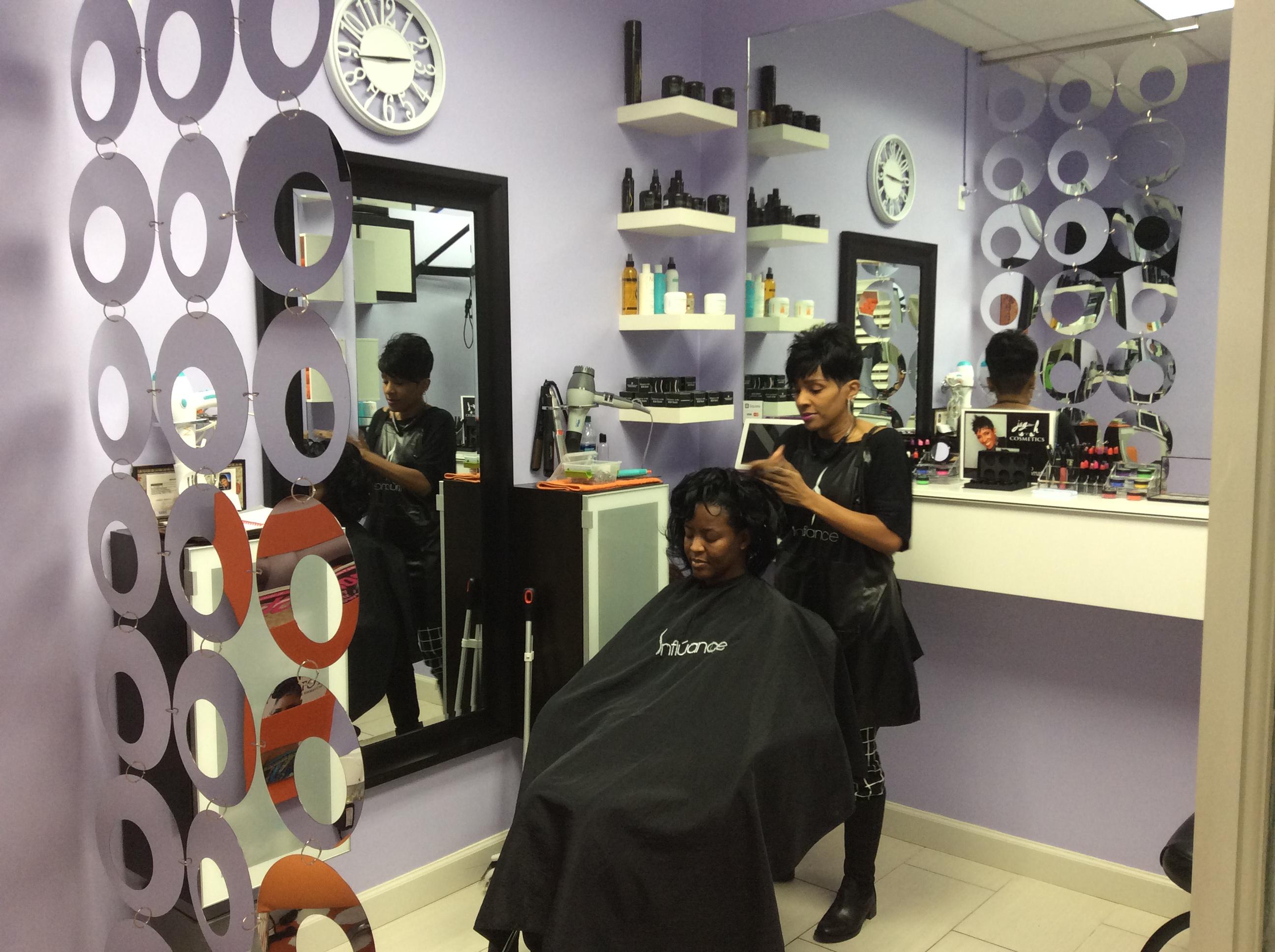 moines beauty parlor